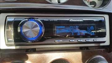 CD plejer PIONEER 4x50w DEH-P6900IB