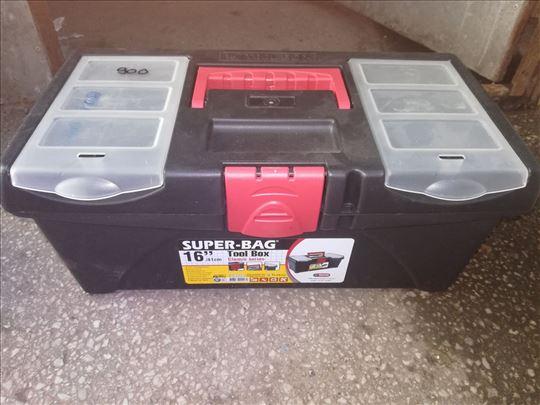 Kutija za alat srednja Novo