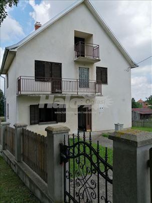 Kuća sa 60 ari placa Orasac