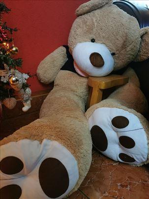 Prodajem nov Teddy Bear