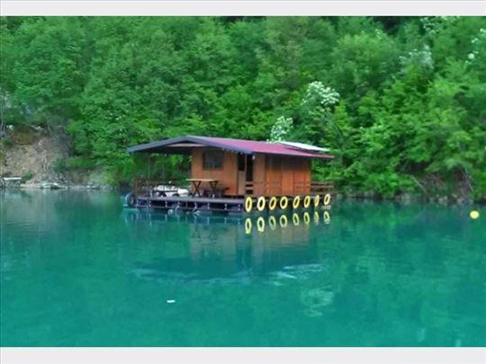 Jezero Perućac, kućica splav za odmor