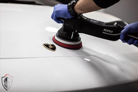 Poliranje automobila, dubinsko pranje, keramika.