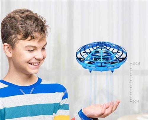 Mini dron Ufo sa senzorima Plavi