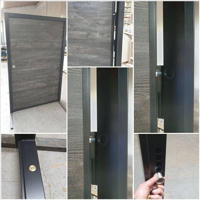 Sigurnosna ulazna vrata po meri
