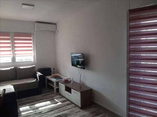 Izdaje se luksuzni apartman u centru Vrnjačke Banj