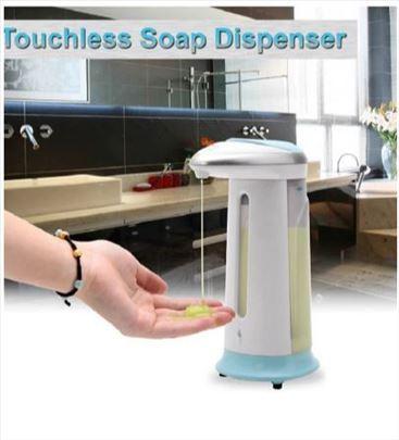 Dozer sa senzorom za sapun