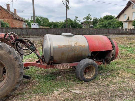 Na prodaju vučni atomizer Agro 1000 litra