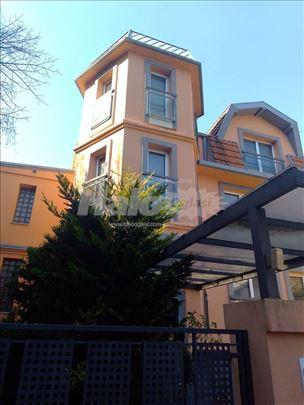 Prelepa vila na Lionu