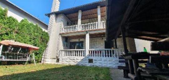 Luksuzna kuca u Čelarevu