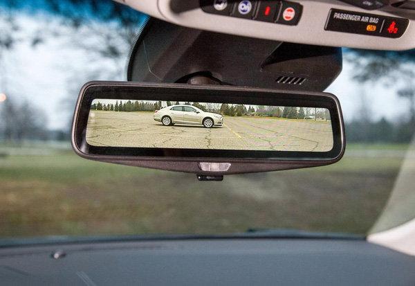 Cadillac sprema prvi digitalni retrovizor