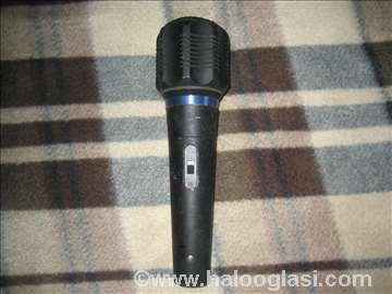3 mikrofona i Petlic Shure