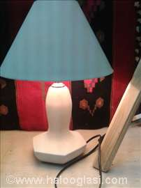 Keramička lampa sa abažurom