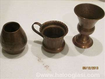 3 stara bakarna predmeta