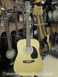 Golden Ton akustična gitara -natural