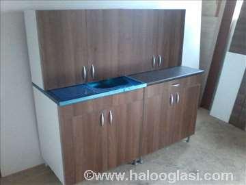 Kuhinja klasična braon