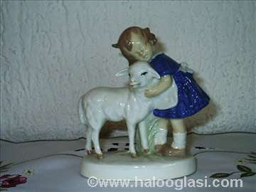 Devojčica i jagnje
