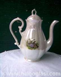 Porculanski čajnik 1