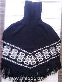 Ženski vuneni pončo