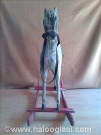 Drveni konjić