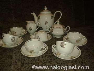 Pozlaćen porcelanski servis
