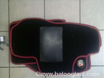 Alfa Romeo 156,   Patosnice tepih