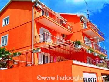 Crna Gora, Igalo, sobe i apartmani