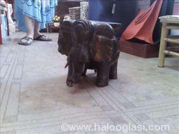 Stalak u obliku slona