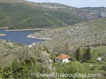 Uvačko jezero, kuća za odmor