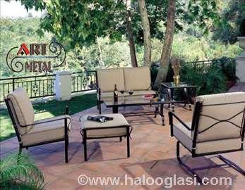 Stolice i stolovi od ukrasnog kovanog gvožđa