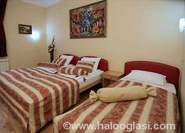 Beograd, Villa Forever, trokrevetna soba