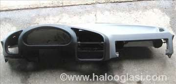 BMW E36 kokpit tabla