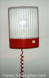 Lampa sa rastegljivim kablom