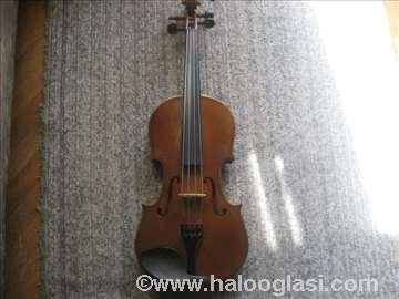 Violina Valencia
