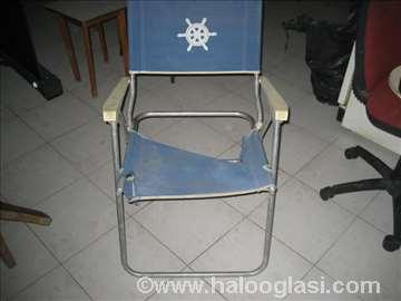 Režiserska stolica pocepana