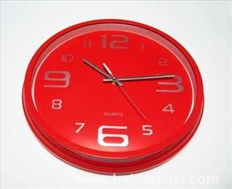 Prelep crveni zidni sat, nov
