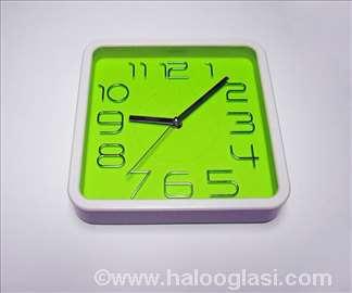 Zeleni zidni sat kvadrat - novo