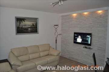 Crna Gora, Budva, apartman od 8 eura po osobi