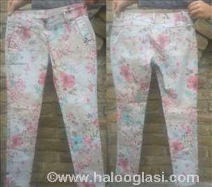 Pantalone Forpen cvetnog dezena