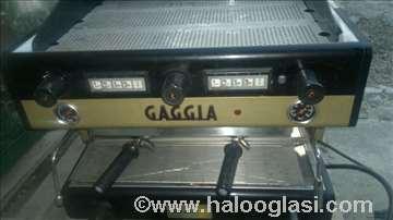 Kafemat sa dve grupe Gaggia