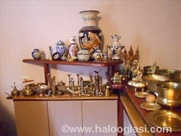 Velik izbor antikviteta