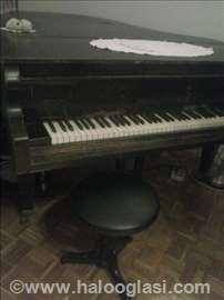 Klavir, polukoncertni