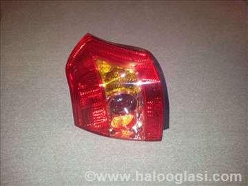 Stop svetlo Toyota Corolla 04-06 levo