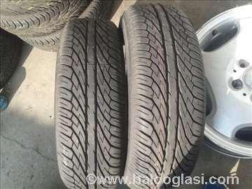 2 nove letnje gume 195/65 R15 Dunlop