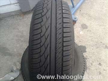 Nova letnja guma 215 65 R15 Michelin
