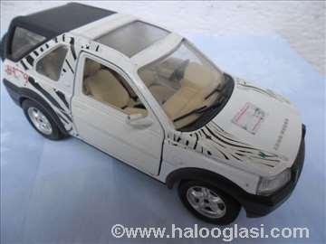 Burago Land Rover, 1 :24, beli