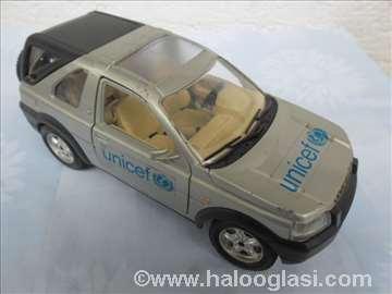 Burago Land Rover, 1/ 24, srebrni Unicef