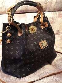 Extra kvalitetna Louis Vuitton torba CRNA I TEGET
