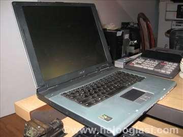 Acer TravelMate 4000 u delovima