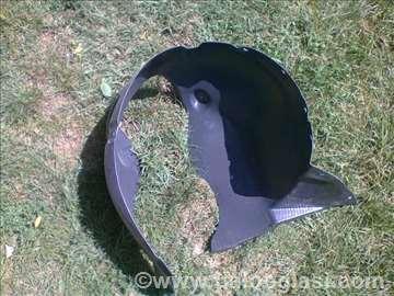 Koruba-potkrilo prednje desno Polo 2002
