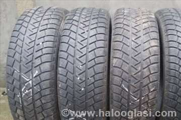 Zimske Michelin 235/55 R19
